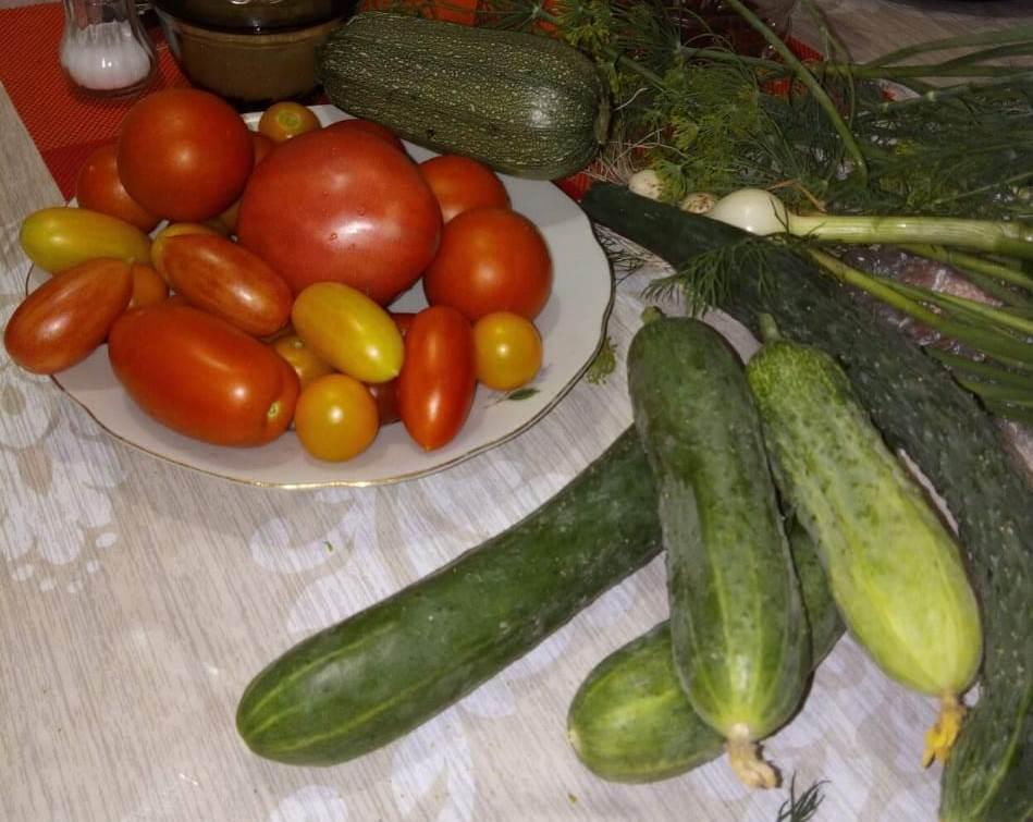 «Домашние заготовки: овощи в томате» из рубрики Домашний пир